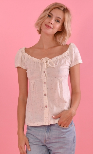 Top Zanzibar Coco ecru,Neckline empire style, sliding link , Juvenile look, small buttons evoking a romantic blouse.