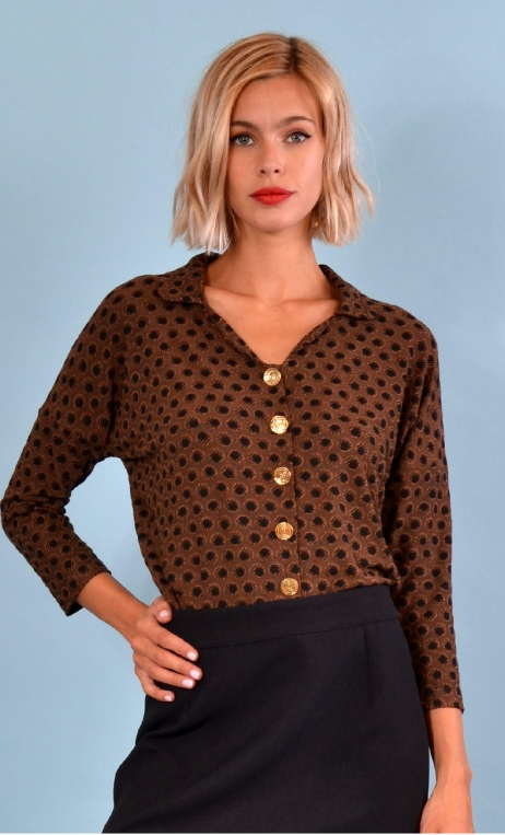 Top Hermione Pops. Cats brun noir, jacquard knit top, faux-buttoned, loose, small collar and 3/4 sleeve.