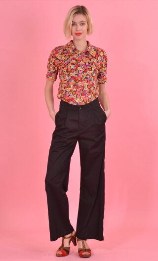 Pantalon Dylan Seniora Noir, Plain stretch pants, wide and long, pleat under belt, Italian pockets.