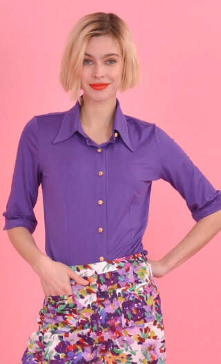 Chemise Sagan Basiques Raffinés purple, Plain jersey shirt, waisted, pointed collar, 3/4 sleeve with wrist. Seventies.