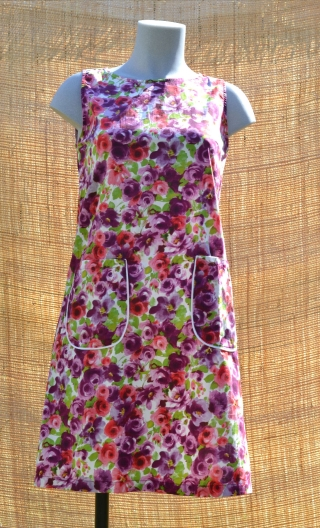 Robe Lady Toscane, Three-hole printed dress, knee, trapeze, patch pockets, short