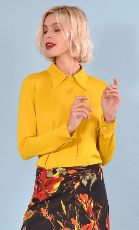Chemise Abbey Road basic mustard yellow , Plain jersey shirt, fitted, pointed collar, long sleeve with wrist. Seventies