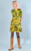 Robe Phil Boutons d'Or Buttercups, Crew neck, elbow sleeves, trapezoidal line, sober and practical