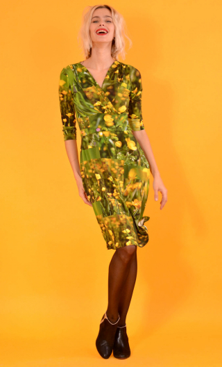 Robe Satin Doll Boutons d'Or, Printed knitted dress, straight, knee length, V neckline, 3/4 sleeve.