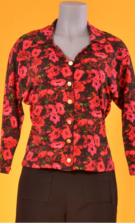 Top Hermione Bonheur du Jour, Printed crepe top, faux-buttoned, loose, small collar and 3/4 sleeve.