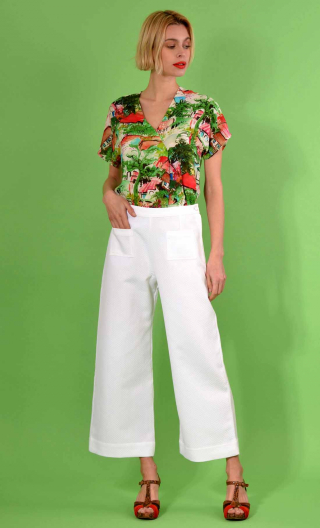 Pantalon Croisière Panama Green, plain trousers, wide and a little short, high waist, side zip, patch pockets on the back and fr