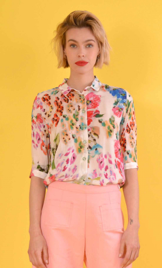 Chemise Les Jardins de la Reine, Printed shirt, three quarter sleeves with cuffs, flowing, mini rounded collar.