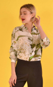 Chemise Résiste Jour 34, Oversized print shirt, long sleeves with cuffs, pointed collar..