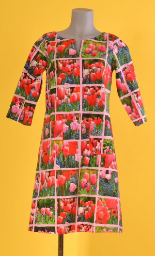 Robe Colette Mesdemoiselles, Slightly trapeze dress, printed cotton, with sleeves, round neckline with slit, knee length.