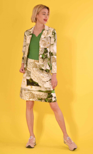 Veste La Croisette Jour 34, Stretch printed jacket, straight and short, with collar, slit back, patch pockets