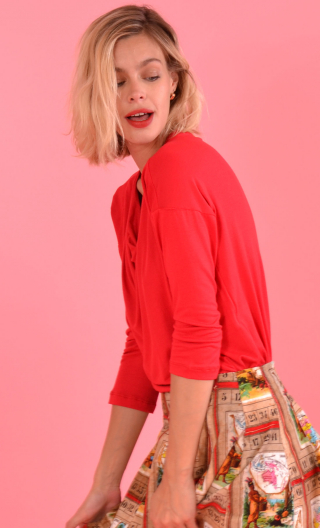 Top Brahms plain jersey vermilion red, fluid, cowl neck, loose armhole, 3/4 sleeves. Urban chic, French designer.